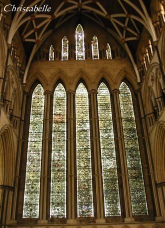 約克大教堂裡的彩繪玻璃