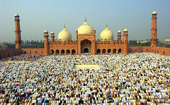 Eid Prayers (Max Loxton) Tags: pakistan beautiful architecture mosque pakistani yani ppg lahore masjid mughal title2 title3 title1 titleit yasirnisar towardspakistan beautifulpakistan pakistaniphotographers pakistaniphotographer generouscomments shahimasjid maxloxton pakistaniat wwwtowardspakistancom