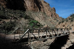 Apache Trail Bridge, Arizona (Thad Roan - Bridgepix) Tags: bridge arizona mountains phoenix photo desert steel bridges canyon apachetrail bridging truss fishcreek bridgepixing 200603 bridgepix