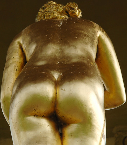 The golden statue of Venus