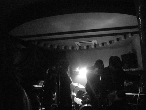 The wonder band in black