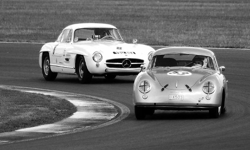 PORSCHE 356 Vs MERC 300 SLR by myDefinition