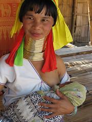 Tribal Bliss (torridcraftaffair) Tags: ladies woman neck thailand necklace long burma karen longneck chiangmai myanmar breastfeeding motherhood brass burmese bodymodification hilltribe womanandchild longnecktribe karentribe padaung birmanie chiangdao kayan longo mujeresjirafa longneckedpaduangwoman