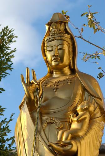 statue of AvalokiteÅ›vara