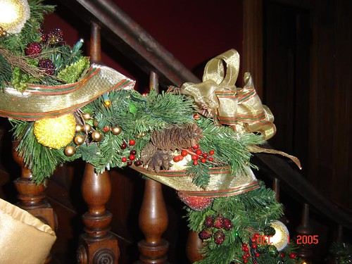 stair case garland