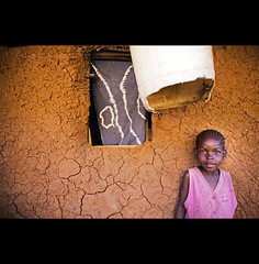 the violet girl ( Tatiana Cardeal) Tags: africa travel portrait people digital photography photo topf50 child kenya nairobi picture photojournalism documentary forsakenpeople afrika criana tatianacardeal fotografia favela kenia kibera slum 2007 worldsocialforum afrique inequality  documentaire  documentario forosocialmundial   frumsocialmundial urbancondition  qunia childrenfromnairobi             wereldsociaalforum