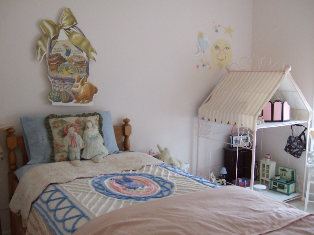 Little Girl's room view 2