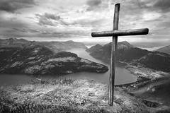 Vierwaldstttersee (gms) Tags: blackandwhite bw lake geotagged switzerland scenery view cross brunnen vierwaldstttersee lakelucerne rtli stoos geolat46971819 geolon8638000
