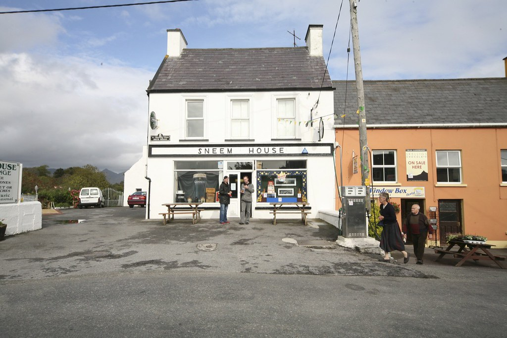 THE VILLAGE OF SNEEM