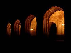 Badshahi masjid arcs