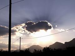 """""""Ma che stai a fotografa'?"""" (Eus) Tags: light italy cloud sun soleil italia nuvola lumire sole nuage beams luce italie rayons raggi molise eus voci pozzilli tavernatriverno"""