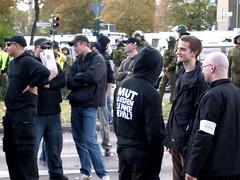 Nazis auf der NPD-Demo am 21.10.2006, Berlin-Tegel. - Foto von sebibrux