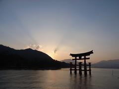 宮島の夕日 Miyajima dusk - by kamoda