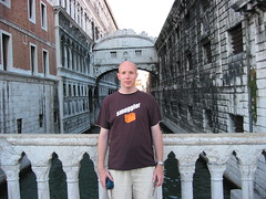 Me at the Bridge of Sighs, Venice, Italy (Paul Mannix) Tags: bridge venice vacation italy holiday 2004 canon paul august s40 bridgeofsighs sighs mannix poweshot canonpoweshots40 paulmannix