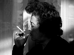 kadın ve sigara - by simurg(parm..)
