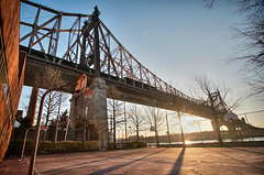 On Court (braesikalla) Tags: nyc newyorkcity urban newyork basketball architecture cityscape manhattan bridges gothamist queensborobridge rooseveltisland hdr sunflare 10mm queensboroughbridge 3px braesikalla