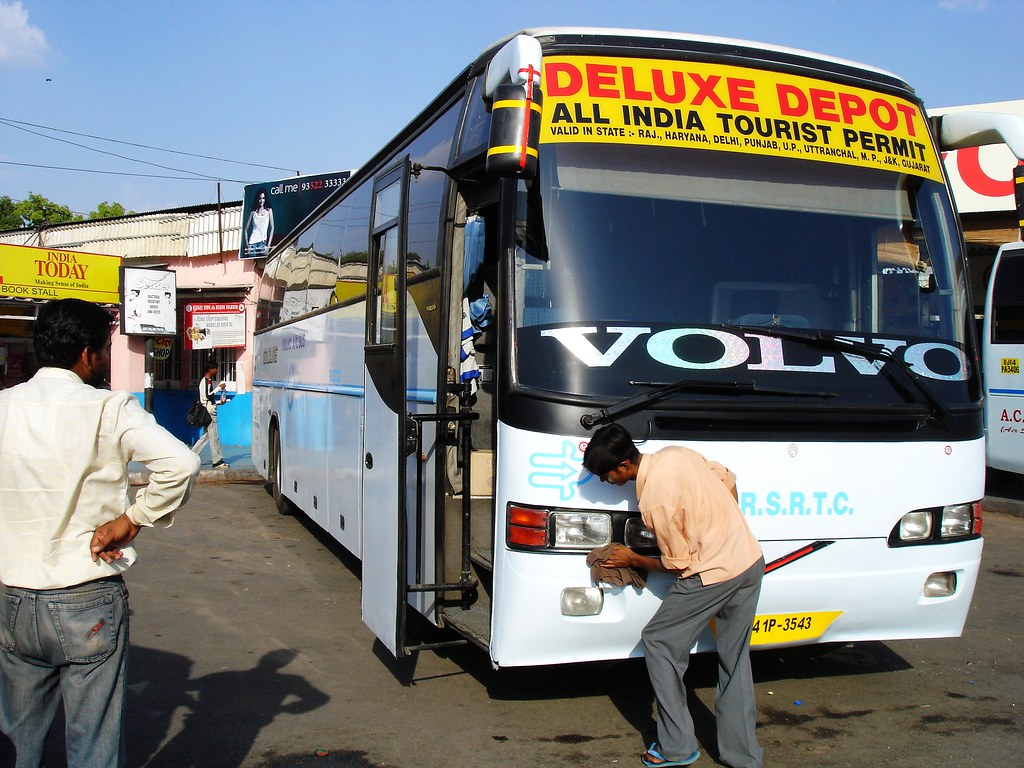 Volvo 9400 Bus - RSRTC. Courtesy: Flickr