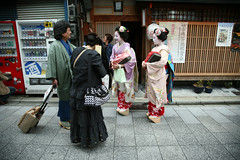 Outside the Okiya: Miyagawa-cho (mboogiedown) Tags: street travel autumn girls fall girl beautiful beauty japan asian photography japanese october kyoto asia traditional culture maiko geiko geisha   kimono obi tradition  kansai cultural    miyagawa miyagawacho okiya hanamachi           okobo    ilovekyoto hanakanzashi lostjapan discoverkyoto  geikoofkyoto maikoofmiyagawa