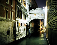 Night of Sighs (J.T.R.) Tags: leica travel venice italy film night 35mm europe italia european surreal eerie ponte spooky venetian bridgeofsighs venezia pontedeisospiri lordbyron sospiri itlay minilux travelphotography venetto otherwordly pontedelsospiri byronnamedit venicebridgeofsighs