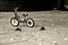Murdered? (Bigod) Tags: bw bike children toy noir child scene crime blanc murdered crimescene bigod