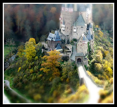 FrizzText-fixed-fts-001 (alohadave) Tags: castle manipulated miniature 0sec faketiltshift fixmypic frizztext