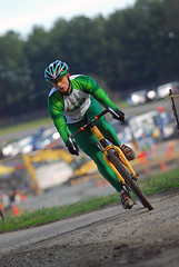 Cyclocross - Green (wirelessnic) Tags: people bicycle race cycling bokeh cyclocross 70200mmf28gvr lakefairfax nikond200 nikonstunninggallery