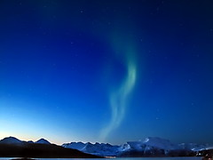 Northern Lights - Aurora Boriales (artic pj) Tags: blue snow mountains norway tag3 taggedout night wow stars bravo tag2 tag1 arctic scandinavia northernlights troms kiss2 nordlys naturalphenomena sommary kiss3 kiss1 kiss4 auroraboralis kiss5 vasstind arcticbluelight