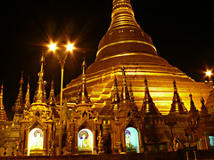 Shwedagon Paya 1 - by zrim