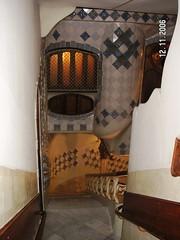 Casa Batll - escalera (Vela.B) Tags: barcelona casabatll