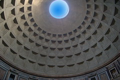 Pantheon - looking up (menteblu61) Tags: rome roma building ancient roman pantheon piazzadellarotonda interestingness272 i500