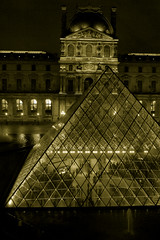 Pyramide du Louvre @ Paris (( I was ) Lost in Tokyo) Tags: paris france museum night outside louvre wing muse 75 nuit pyramide denon aile exterieur ailedenon