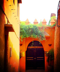 Fall - Winter 2006 Colors (Becem) Tags: door red orange lomo warm entrance morocco maroc marrakech porte