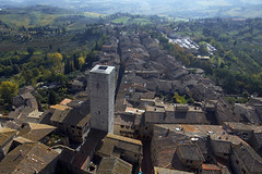 San Gimignano (bgladman) Tags: travel italien italy nature beautiful photography countryside photo nikon europe italia d70 stock scenic explore tuscany lovely nikkor picturesque nikondigital italie tuscan   topphotoblog blgadman italiya brendangladman   a