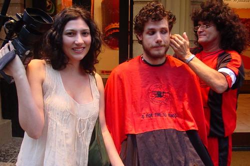 Shampoo corta o cabelo