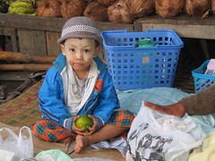 2022f Child at Maymyo market