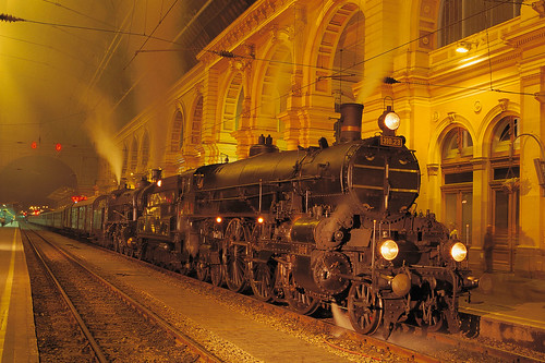 The Majestic Imperator & a special Locomotive in Budapest (Hungary)