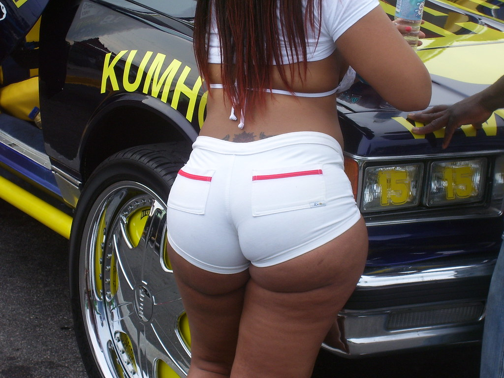 Big booty car show girl