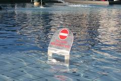 No sschwimming (sanderbijl) Tags: november 2006 londen sander