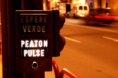 peaton pulse (ManuelChao [ MoMoChao / ManuChao]) Tags: street motion movement motorcycles