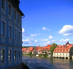 Tourist weather (:Linda:) Tags: blue roof sky house reflection water architecture river germany tile bavaria boot town decoration bamberg franconia row symmetry dach reflexion dachziegel gaupe dormer rooftile gaube buildingdecoration dachgaupe dachgaube dachschindel