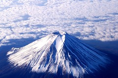 Snowy Fuji (*Sakura*) Tags: blue autumn winter sky cloud white mountain snow japan landscape interestingness fuji explore  sakura fujisan    mtfuji  mountainsnaps