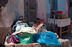 South america : A la frontiere bolivienne (KraKote est KoKasse.) Tags: southamerica bleu chapeau froid bolivie prou ameriquedusud frontire americadelsur krakote forcont wwwkrakotecom valeriebaeriswyl