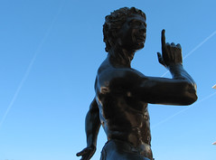 Nerd Leader, in bronze - by emdot