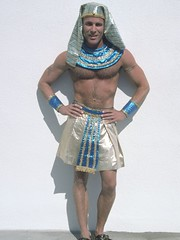 Costume Shop Costume (Diogioscuro) Tags: costume egyptian pharoah dws diogioscuro