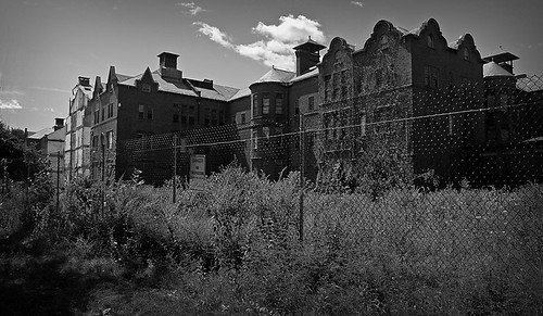 "Northampton State Hospital • <a style=""font-size:0.8em;"" href=""http://www.flickr.com/photos/15694740@N00/367722587/"" target=""_blank"">View on Flickr</a>"