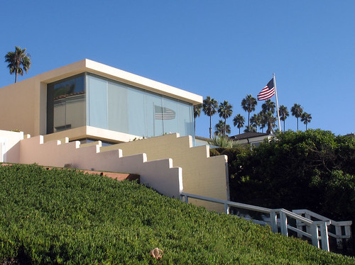 Modern patriotic beach house,modern,house,design