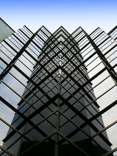 creative commons hi-res photo of the day:  Geometric building 1 (800 x 1067)