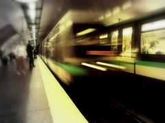 (Godefroylg) Tags: longexposure paris france speed dark underground subway geotagged hit dynamic metro platform olympus explore fv10 quai ratp vitesse e500 longueexposition fav1 zd 1445mm godefroy pontdeneuilly ligne1 a1f1 p1f1 godefroylg leguisquet godefroyleguisquet
