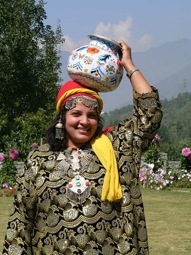 Indian Kashmiri woman in traditional Kashmiri dress