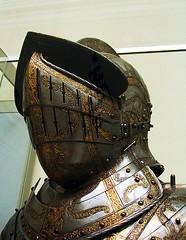Helmet Img_1623 (Lanterna) Tags: nyc museum war arms knights metalwork gilded armour metropolitanmuseum lanterna chased